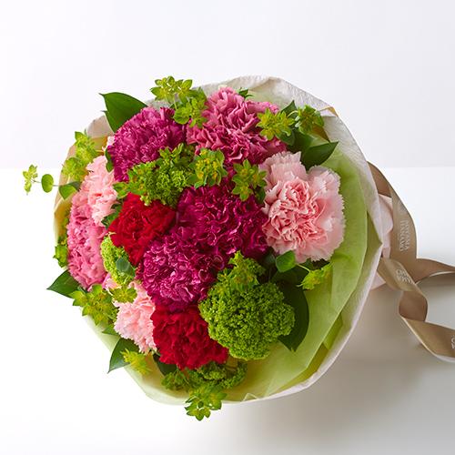 4種のカーネーションの花束