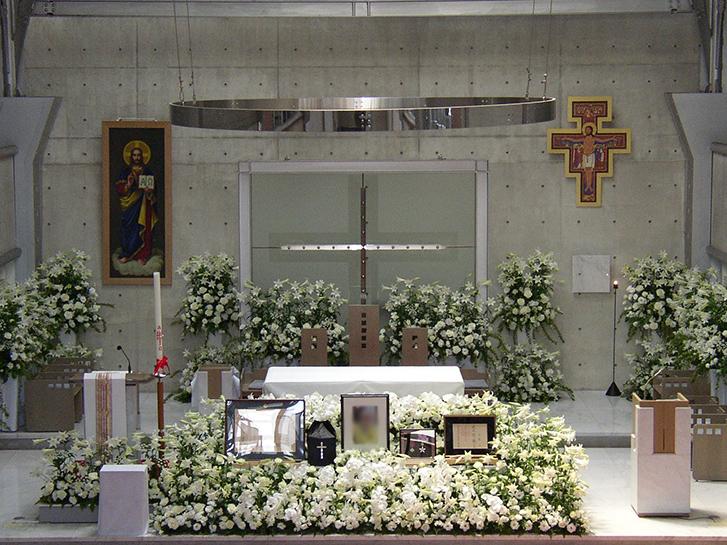 キリスト教の葬儀の画像