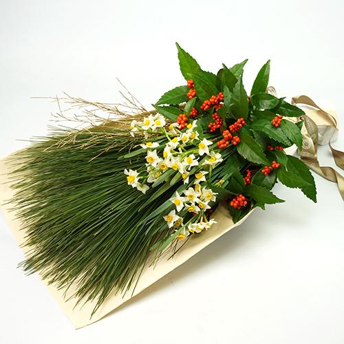 大王松を使用した正月用花束の画像