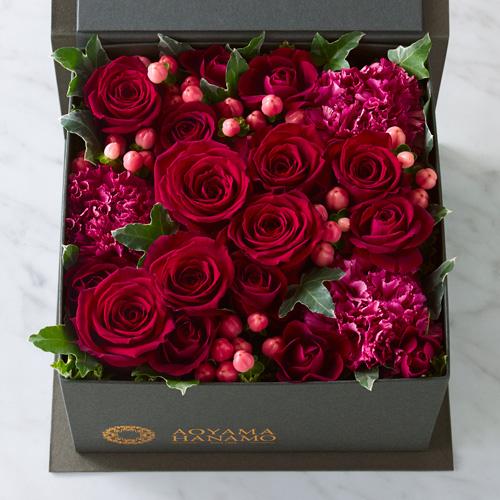 赤いバラのフラワーボックスの画像