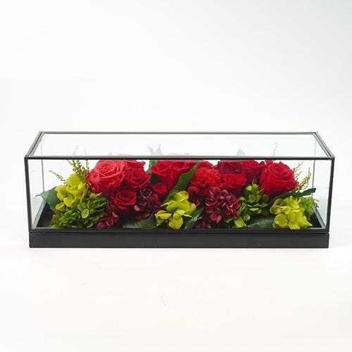 赤バラのプリザーブドフラワーの画像